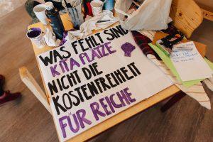 Frauencafé: Muttersein im Kapitalismus